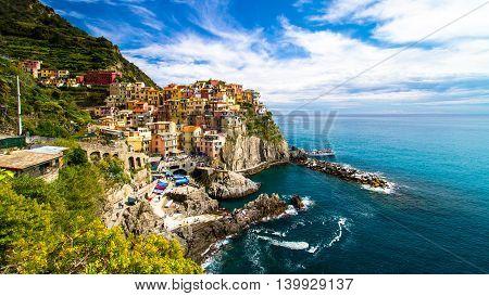 Picturesque Manarola fishing village, Cinque Terre, Linguria Italy