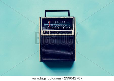 Radio receiver broadcast channel vintage tuner