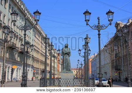 St. Petersburg, Russia - April 9, 2018: Historical Street With Vintage Lanterns And Old Classic Buil