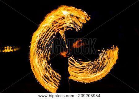 Fire Dancers Swing Fire Dancing Show Fire Show Dance Man Juggling With Fire