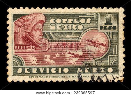 Mexico - Circa 1934: A Stamp Printed In Mexico, Shows Eagle Warrior, Special Class Of Infantry Soldi