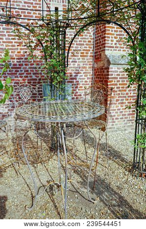 Elegant Antique Patterned Iron Garden Furniture Set, High Table And Chairs