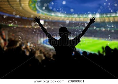 Menge am Stadion