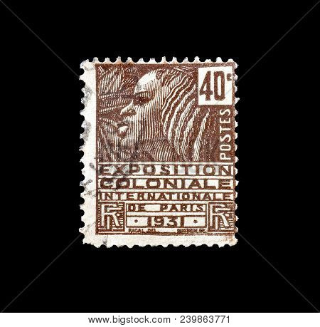 France - Circa 1930 : Cancelled Postage Stamp Printed By France, That Promotes  International Coloni