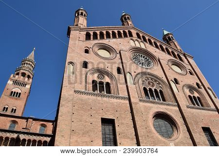 View Of The Cathedral Of Cremona - Lombardy - Italy