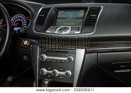Novosibirsk, Russia - October 23, 2019:  Nissan Teana, Close-up Of The Dashboard, Adjustment Of The