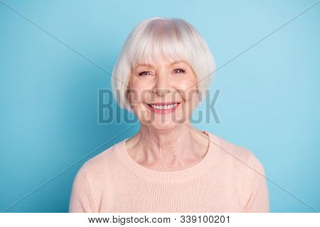 Close-up Portrait Of Her She Nice-looking Attractive Well-groomed Content Confident Cheerful Cheery