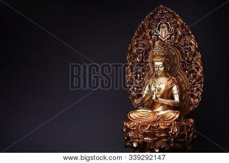 Statue Of Bronze Of Bodhisattva Guan Yin (avalokiteshvara) Sitting In The Lotus Position, Having Put