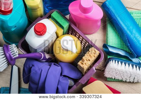Cleaning And Cleaning Supplies, Detergents And Cleaning Products