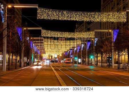 Zaragoza, Spain/europe; 11/12/2019: Night View Of Independence Promenade Decorated With Christmas Li