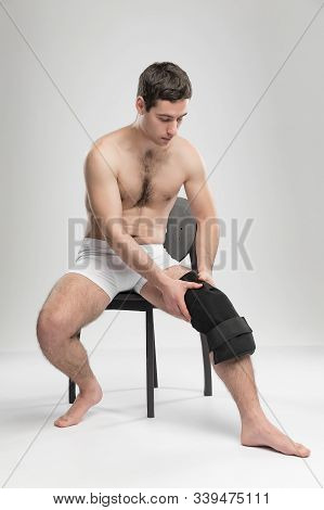 Reusable Ice Pack + Wrap. Support Bondage Post-injury With Liquid. Shooting In Studio. Good Gift For