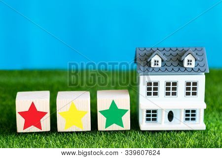 Assessment Of The Quality Of The Hotel In The Form Of A Star. A Symbolic Assessment Of The Quality O