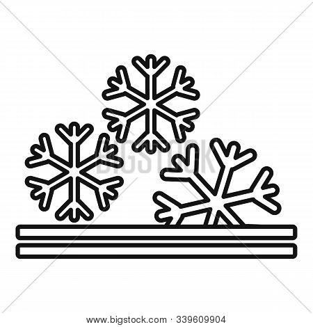 Winter Fabric Feature Icon. Outline Winter Fabric Feature Vector Icon For Web Design Isolated On Whi