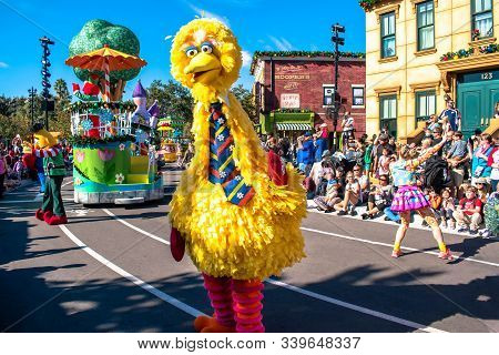 Orlando, Florida. December 07, 2019. Big Bird And Elmo In Sesame Street Christmas Parade At Seaworld
