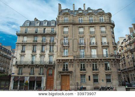 Typical Parisian building fa�§ades