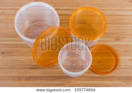 Set Of Three Different Sizes Reusable Round Translucent Plastic Food Storage And Cooking Containers