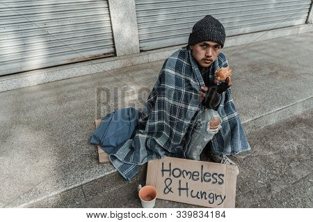 Homeless People Living In Various Cities He Waited And Needed Help From The Kind People To Give Him