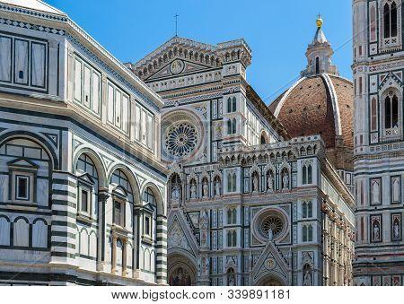 Firenze, Italia - 23 June 2019: Towers And Beautiful Statues Of Cattedrale Di Santa Maria Del Fiore