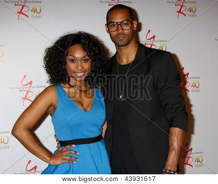 LOS ANGELES - MAR 26:  Angell Conwell, Lamon Archey attends the 40th Anniversary of the Young and the Restless Celebration at the CBS Television City on March 26, 2013 in Los Angeles, CA