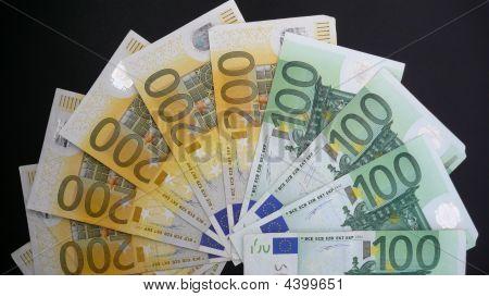 100 & 200 Euro Fan