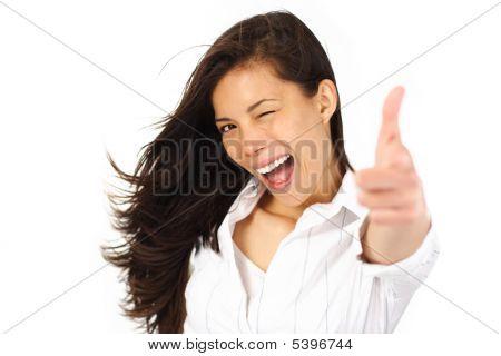 Opgewonden vrouw knipperen