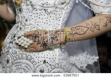 Hand Of The Bride With Traditional Oriental Design