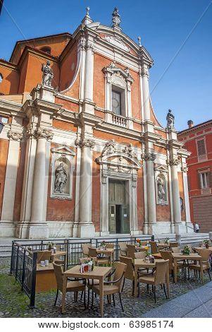 cafe culture modena italy