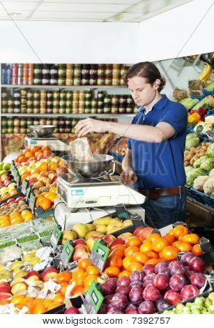 Weighing Fresh Fruits
