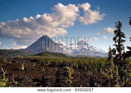 Mckenzie Pass Three Sisters Cascade Mountain Range Lava Field