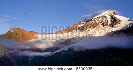 North Cascades Mt. Baker Heliotrope Ridge Glacier Peaks