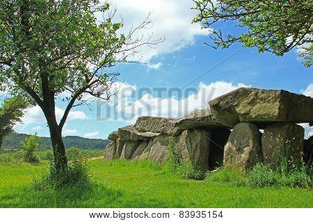 Mound Grave Mougau Bihan, France