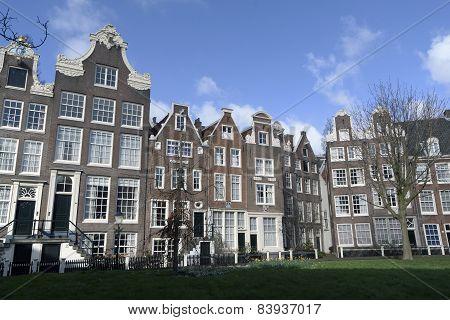 Begijnhof Aan De Singel In Amsterdam Nederland