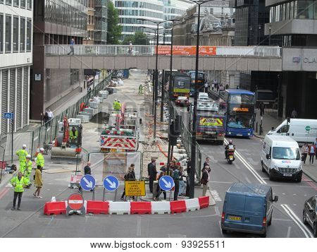 LONDON- 16 JUNE: Heavy traffic jams are being caused on central londons, queen victoria street, by highway maintenance works. LONDON, 16 JUNE, 2015