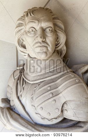 Oliver Cromwell Sculpture In London