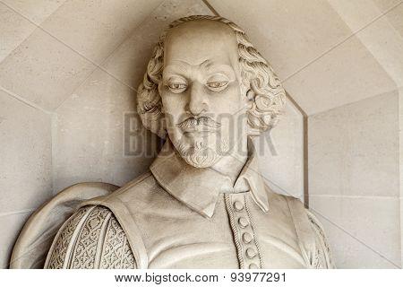 William Shakespeare Sculpture In London