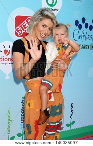 LOS ANGELES - SEP 24:  Linsey Godfrey, Aleda Seren Adamson at the 5th Annual Red Carpet Safety Awareness Event at the Sony Picture Studios on September 24, 2016 in Culver City, CA