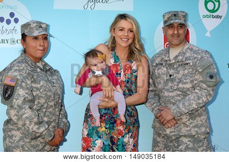 LOS ANGELES - SEP 24:  Soldier, Molly Sullivan Manno. Ali Fedotowsky at the 5th Annual Red Carpet Safety Awareness Event at the Sony Picture Studios on September 24, 2016 in Culver City, CA