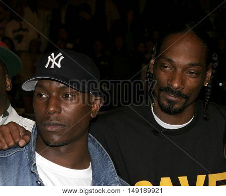 Snoop Dogg and Tyrese Gibson at the Los Angeles premiere of 'Get Rich or Die Tryin' held at the Grauman's Chinese Theatre in Hollywood, USA on November 3, 2005.