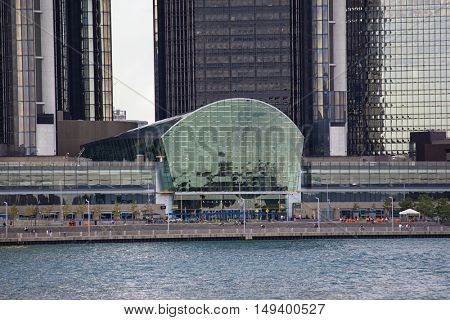 DETROIT, MI/USA - AUGUST 21, 2016: A close up view of Detroit river and the GM Renaissance Center entrance from WIndsor, Ontario
