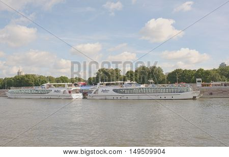 Moscow Russia -September 062016: Modern Radisson pleasure craft on the Moscow River. On ships and on shore are people