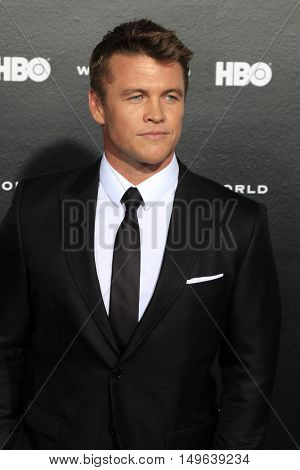 LOS ANGELES - SEP 28:  Luke Hemsworth at the HBO's