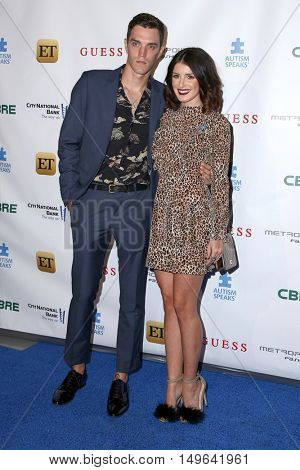 LOS ANGELES - SEP 29:  Josh Beech, Shenae Grimes at the Autism Speaks' La Vie En BLUE Fashion Gala at the Warner Brothers Studio on September 29, 2016 in Burbank, CA