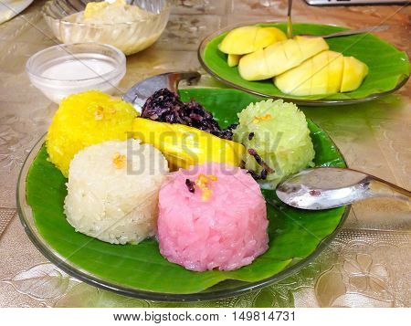 thailand dessert by sweet mango and sticky rice