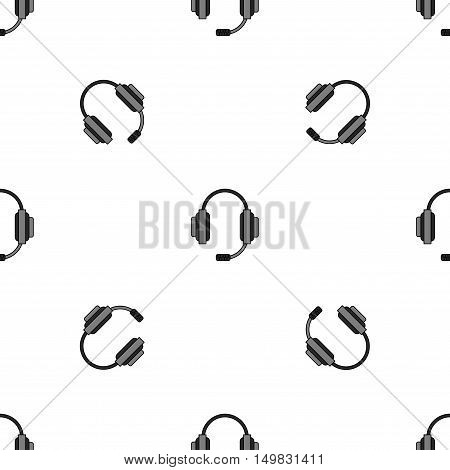 Different microphones types pattern. Journalist microphone, interview microphone, music studio microphone. Web broadcasting microphone, vocal microphone, tv show microphone. Microphones icons