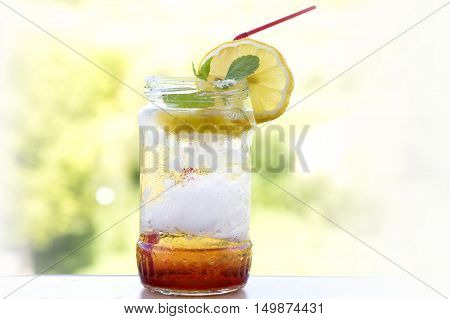 lemonade cocktail in a jar , summer detox diet drink