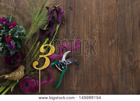 calla lily on wooden table, fiorist decoration