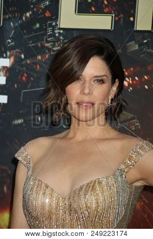 NEW YORK - JUN 10: Actress Neve Campbell attends the premiere of