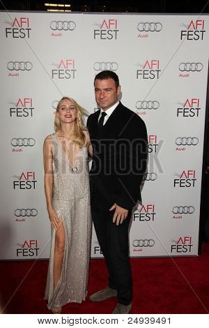 LOS ANGELES - NOV 3:  Naomi Watts, Liev Schreiber arrives at the AFI FEST 2011 Presented By Audi -
