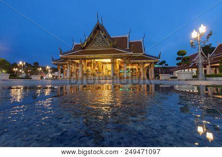 King Rama Iii Memorial Park In Bangkok, Thailand