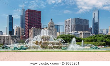 Chicago Skyline Panorama With Skyscrapers And Buckingham Fountain At Summer Sunny Day, Chicago, Illi